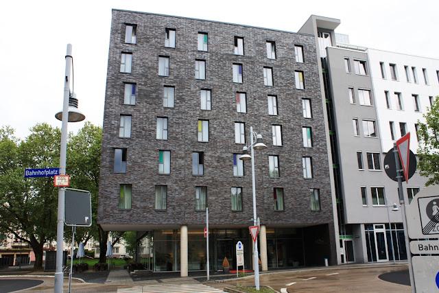 Moderne Fassade: das GHotel hotel & living in Koblenz © Copyright Monika Fuchs, TravelWorldOnline