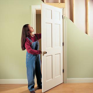 Cara praktis memperbaiki pintu di rumah