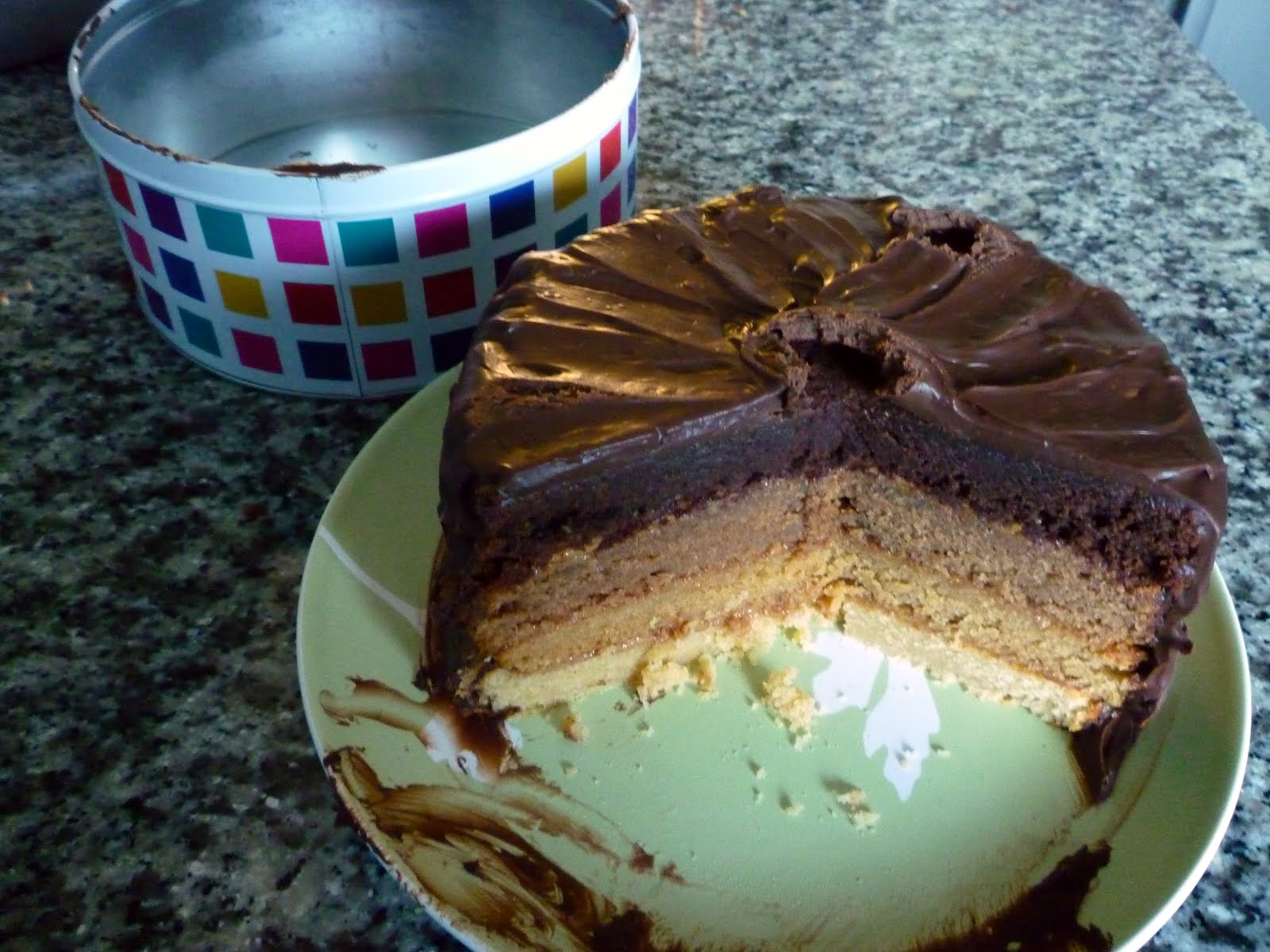 Can You Stack Cake Without Icing Between Layers