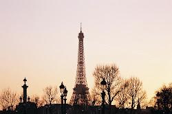 Pasarme toda la vida junto a ti, aquí, en la ciudad del amor.