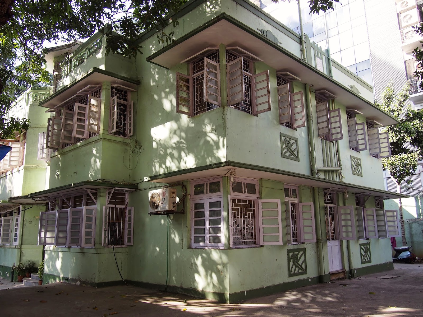 India Bungalows Of Bandra