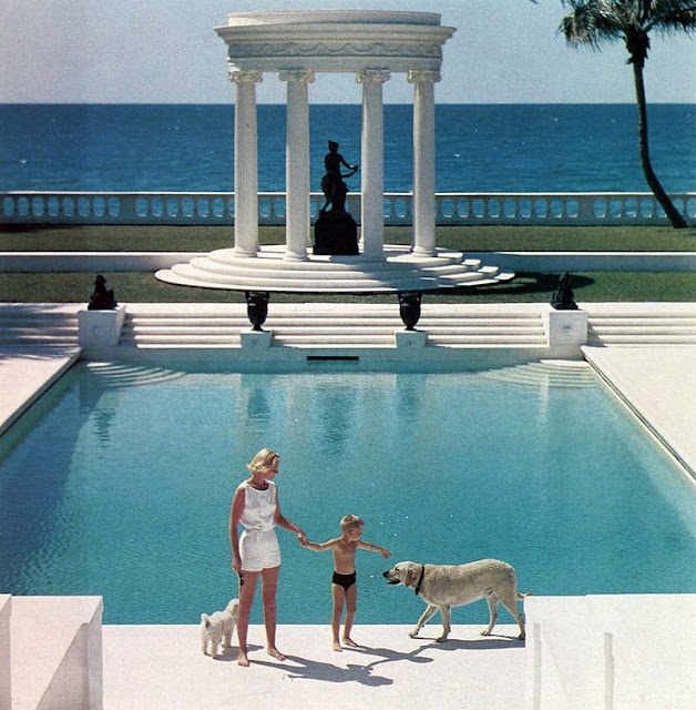 Iconic Slim Aarons photo