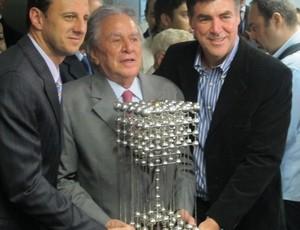 Crítica ao Futebol. Taça das Bolinhas. Juiz manda São Paulo devolver.