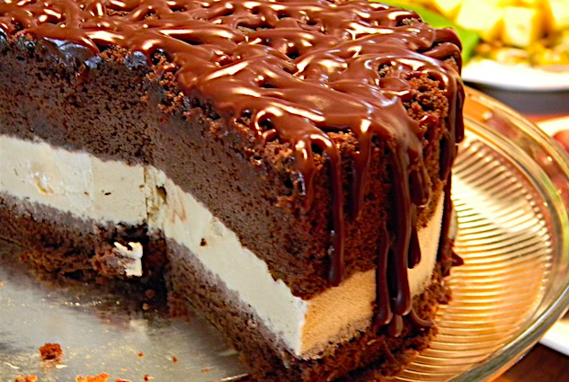Chocolate cake with ice cream filling recipe
