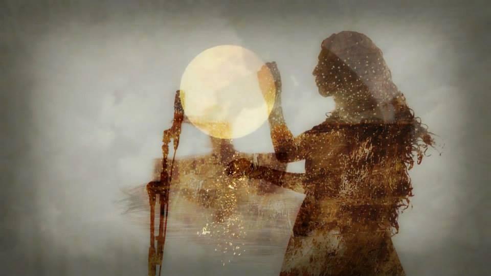 Cercle de Lune en soirée
