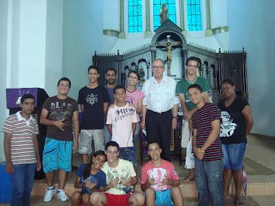 Frutos do 8º ERJAM: Jovens Missionários se reúnem com bispo da Diocese de Porto Nacional/TO