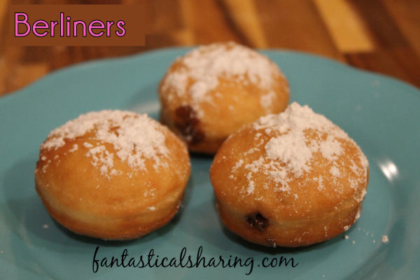 Berliners | A fabulous fried German doughnut filled with Nutella #SecretRecipeClub #recipe #Nutella