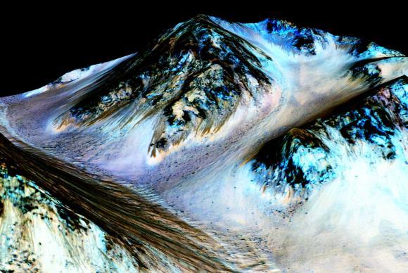 Descoberta de água na superfície de Marte anima especialistas no Brasil