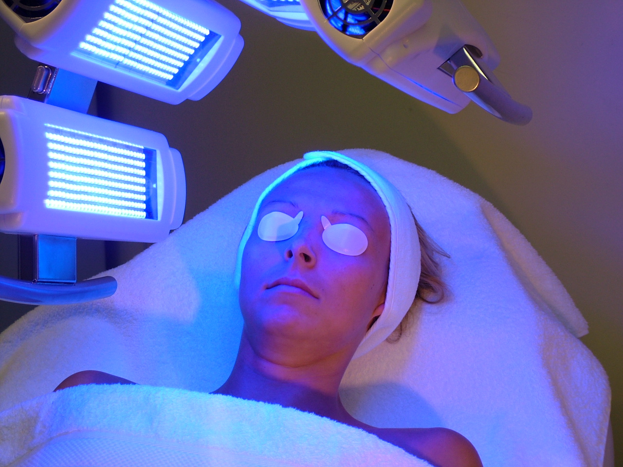 Uvb light therapy chicago