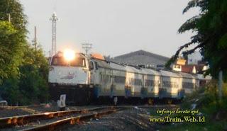 Angkutan Kereta Api Liburan Akhir Tahun Ini Berjalan Lancar