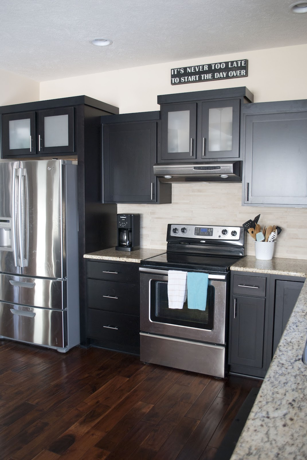 How to clean greasy laminate cabinets for Laminate cabinets