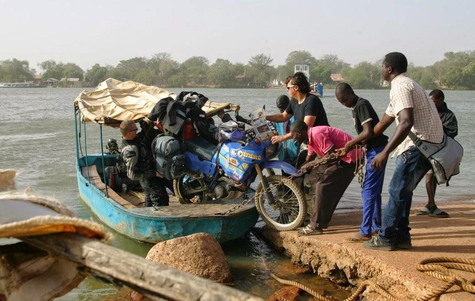 Gambia na Motocyklu. Motocyklem do Senegalu