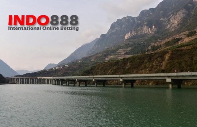 Jalan Raya diatas Sungai - Indo888News
