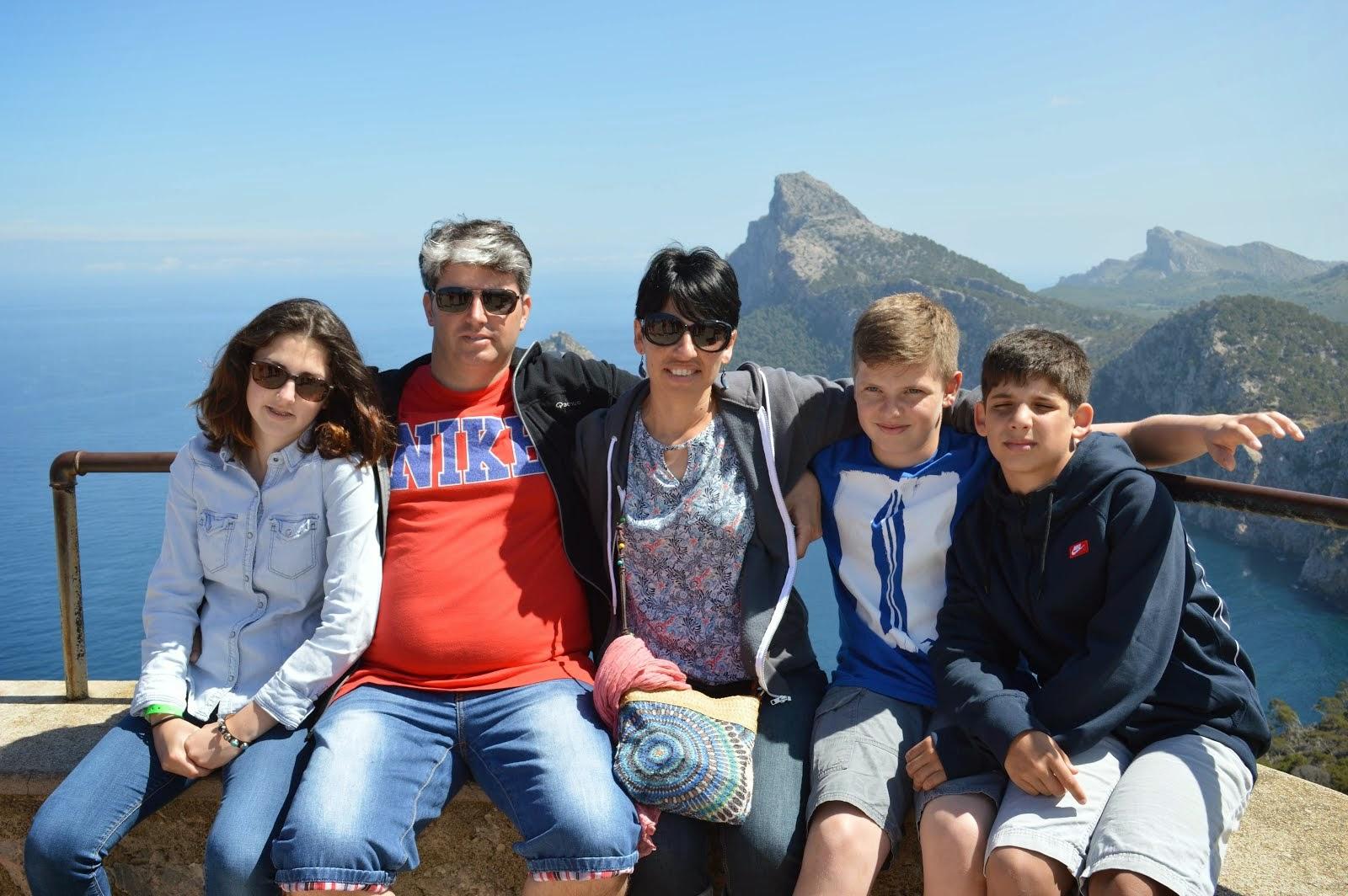 Toute la famille de Sylvain.