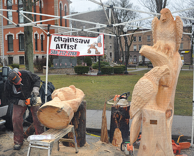 Warriors mark ridgway s th annual chainsaw carvers