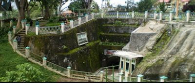 Tempat Objek Wisata Lobang Jepang Bukittinggi Sumatera Barat (Sumbar)