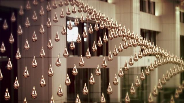 Kinetic,Rain,Lluvia,cinetica,gotas,aluminio,aluminium,drop,art+com,cangi,singapur,singapour,aeropuerto,airport,music