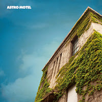 8曲入CD「ASTRO MOTEL」発売中