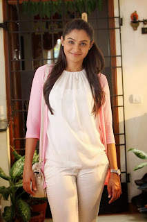 Andrea Jeremiah in CUte White Top and Trousers for Valiyavan Tamil Movie