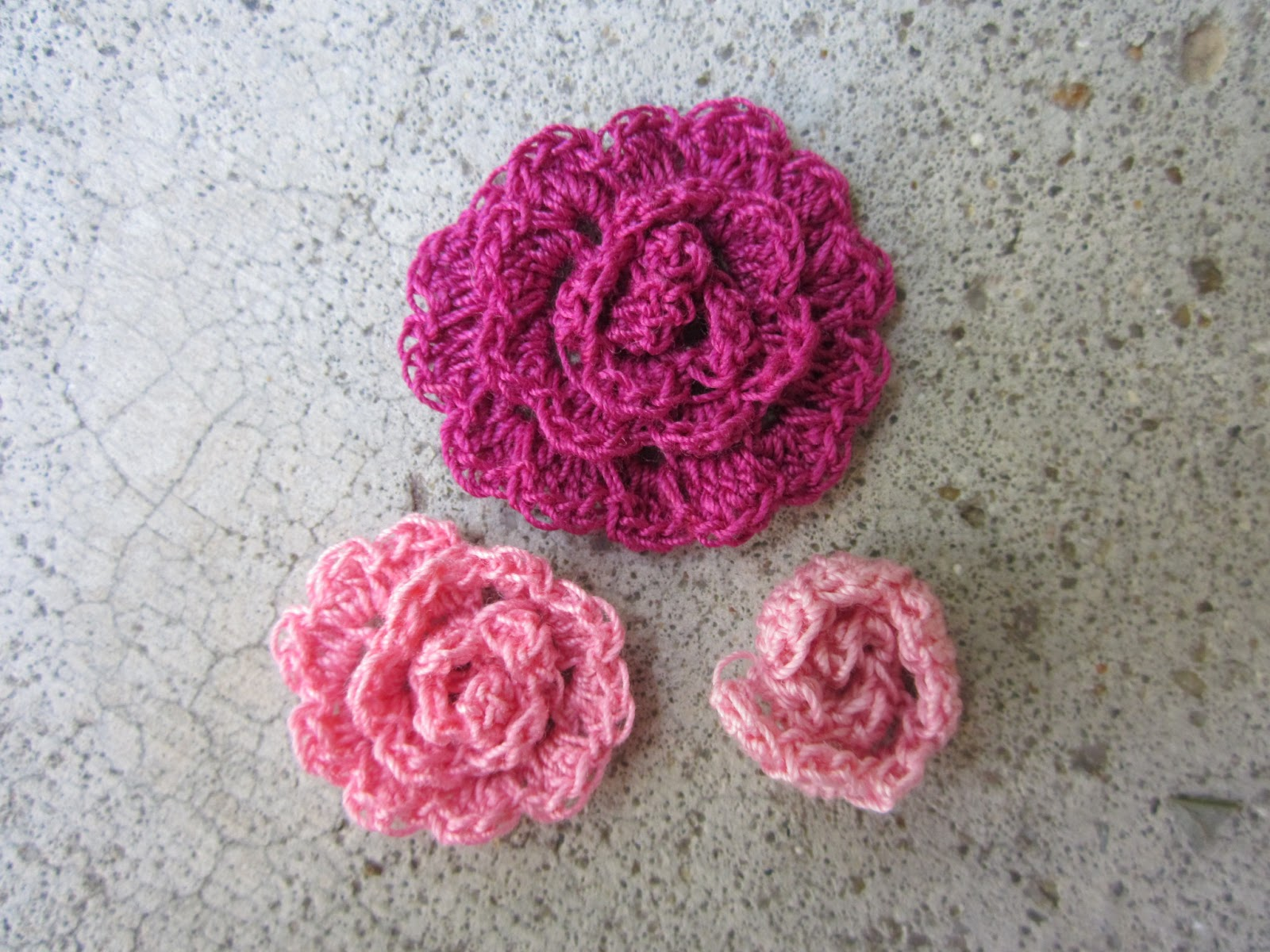 Crochet Rose Pattern No Sew : Primarily Patterns: Cabbage Rose / Peony Crochet Pattern