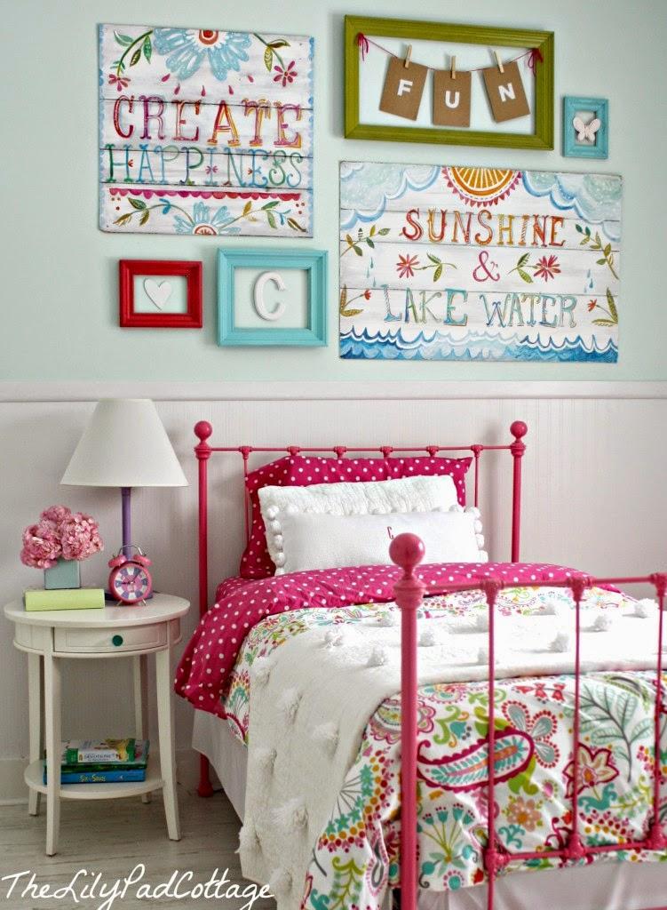 quarto infantil-decoração de quarto infantil-papel de parede para quarto-quarto para meninas-cama infantil-infant room, cama vermelha, decoração com reciclagem