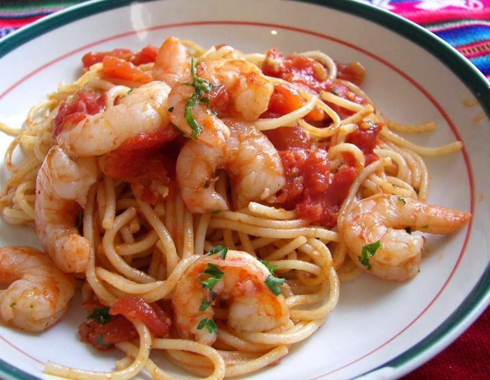 Recette des spaghetti au crevettes et au sauce tomate