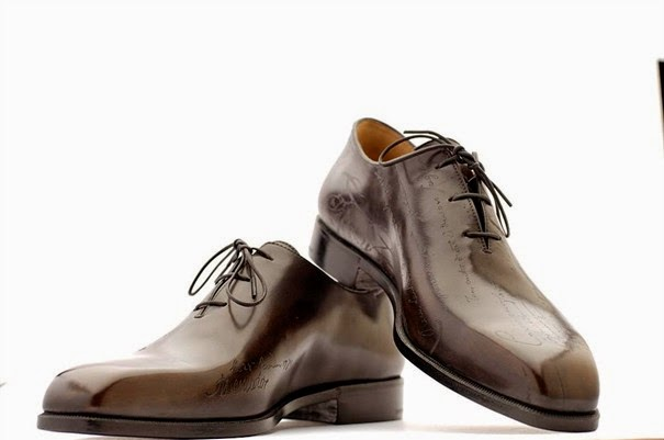 "<img src=""http://4.bp.blogspot.com/-Z8VUukkGyqw/U5nXM3Zej6I/AAAAAAAAAO8/gaY8MEb_0GE/s1600/berluti-alessandro-iii-scalpel-landing-custom.jpg"" alt=""Most Expensive Shoes in the World"" />"