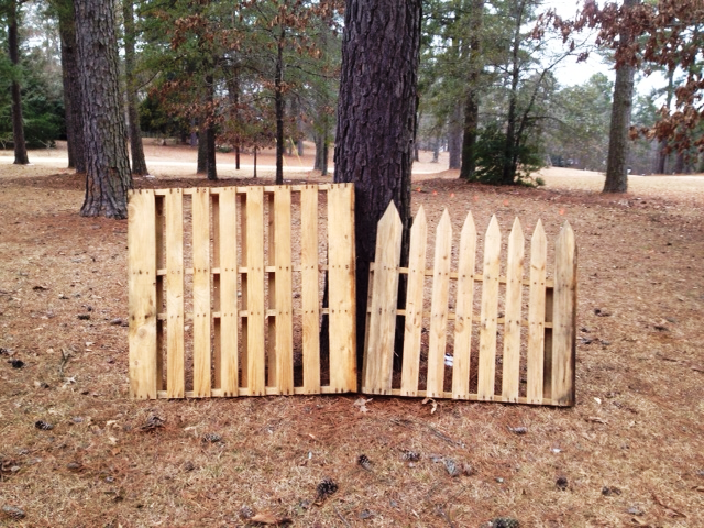 Growing branches no dig pallet fence for Pallet picket fence