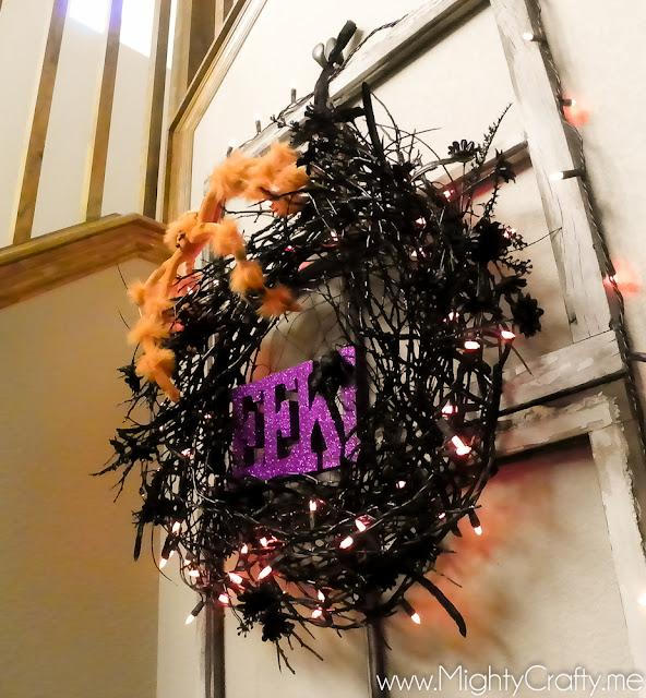 Halloween Wreath - www.MightyCrafty.me