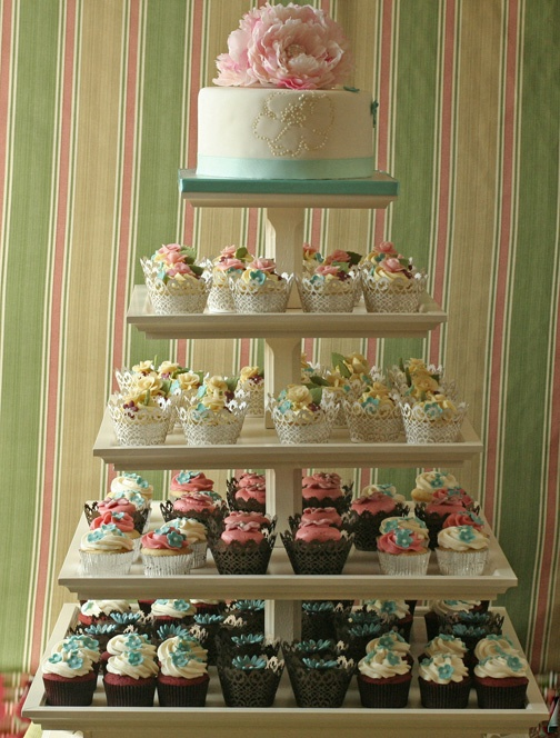 stands on pinterest wedding cake stands gold cake stand and cupcake