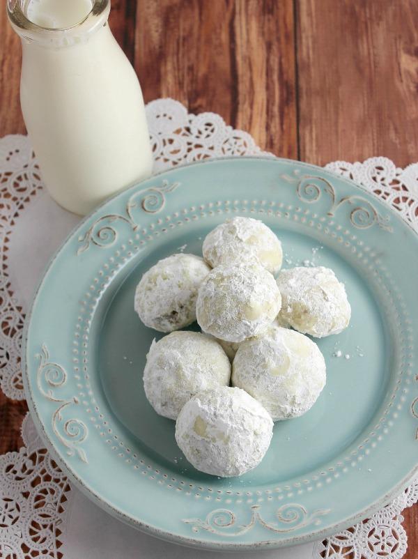 Lemon Pistachio Sandies {Simply Sweet Saturdays ...