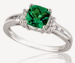 customize your emerald engagement rings on your own
