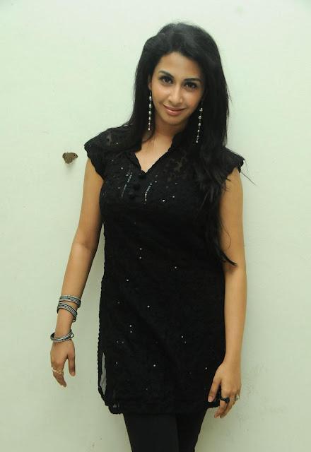 No water mark beautiful indian actress cute photos movie stills