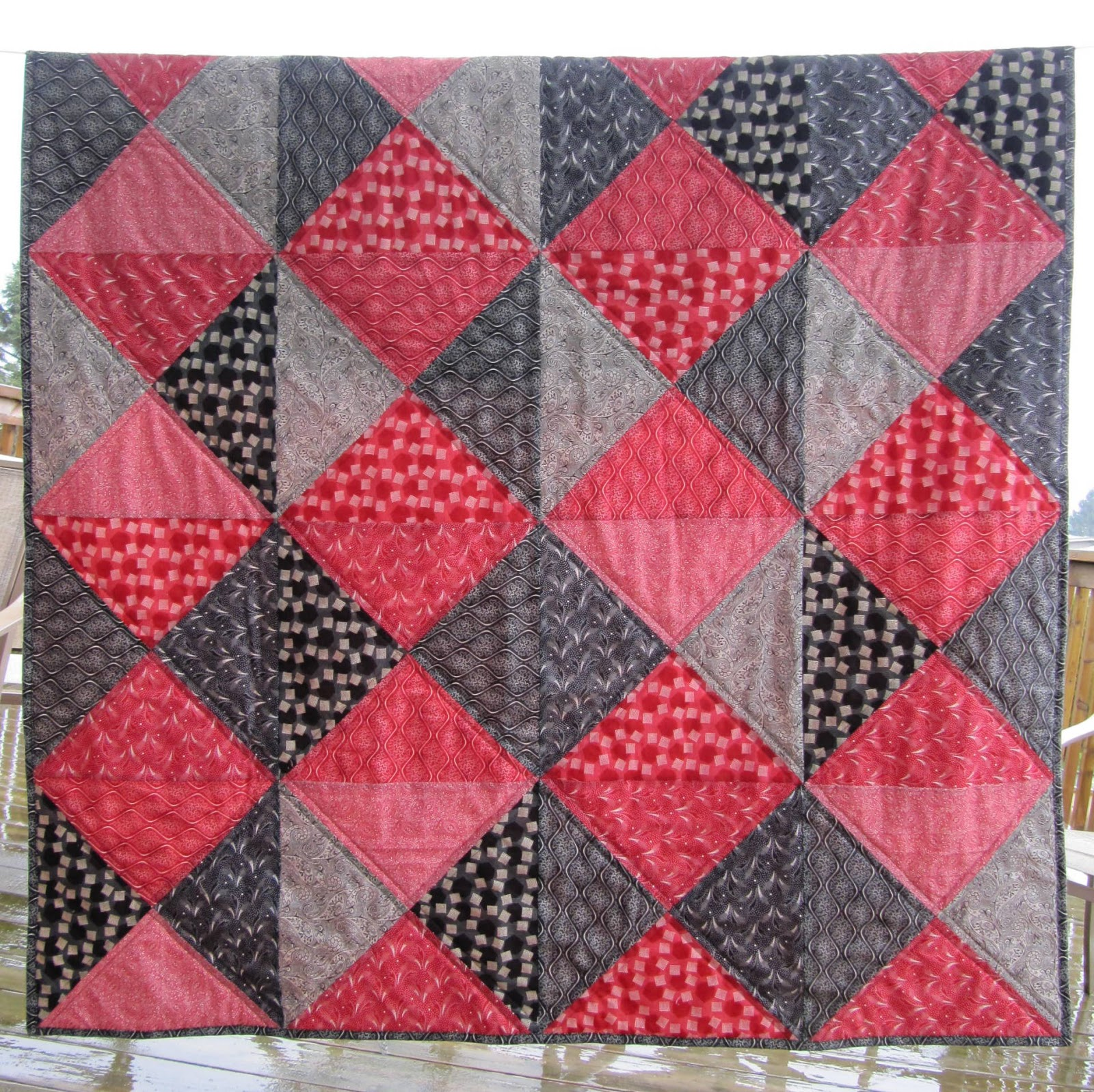 Quilt Patterns With 3 Fabrics : Inspired by Fabric: Tutorial: Two-Color Quilt
