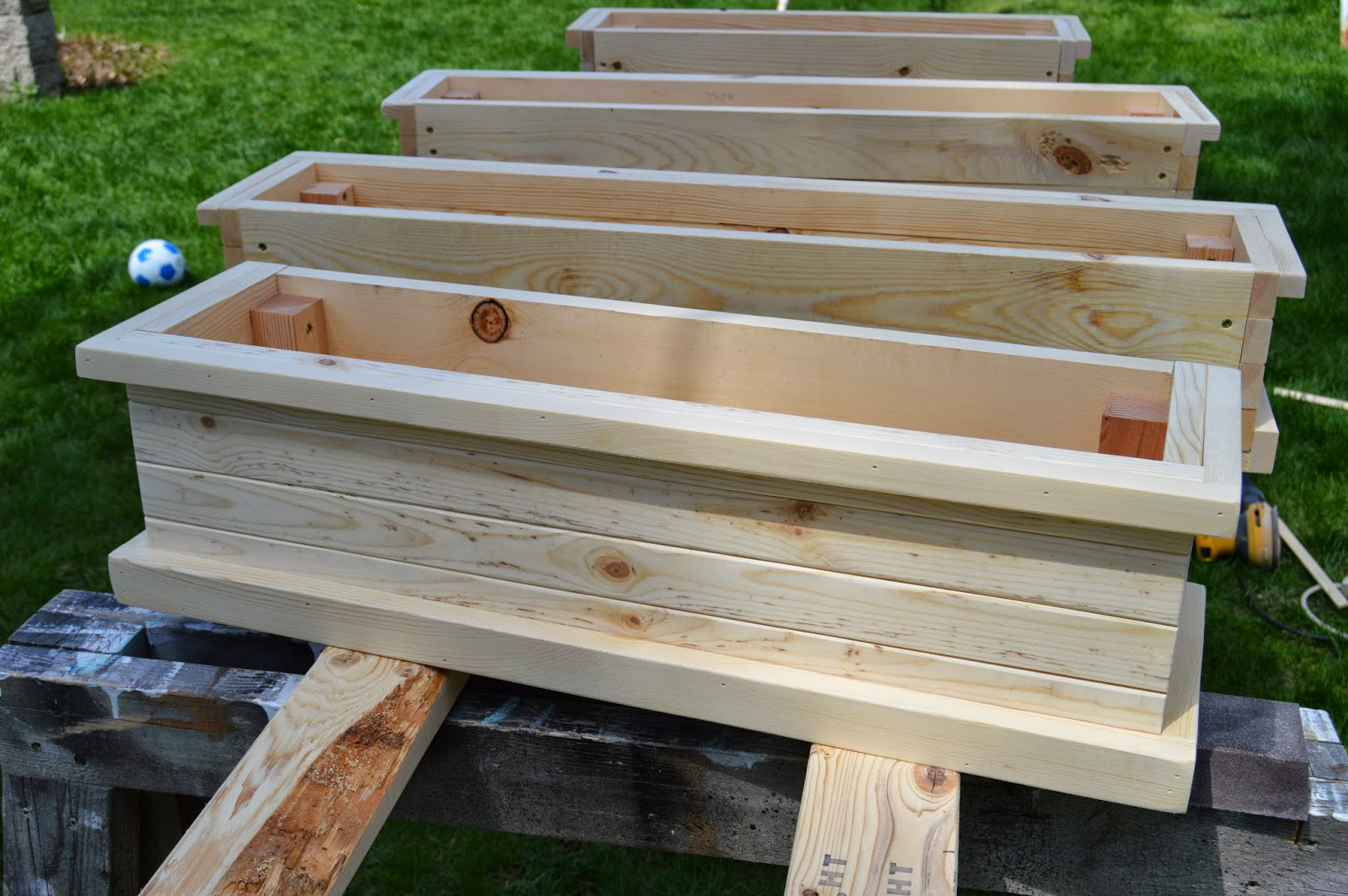 kruse 39 s workshop how to build flower boxes. Black Bedroom Furniture Sets. Home Design Ideas