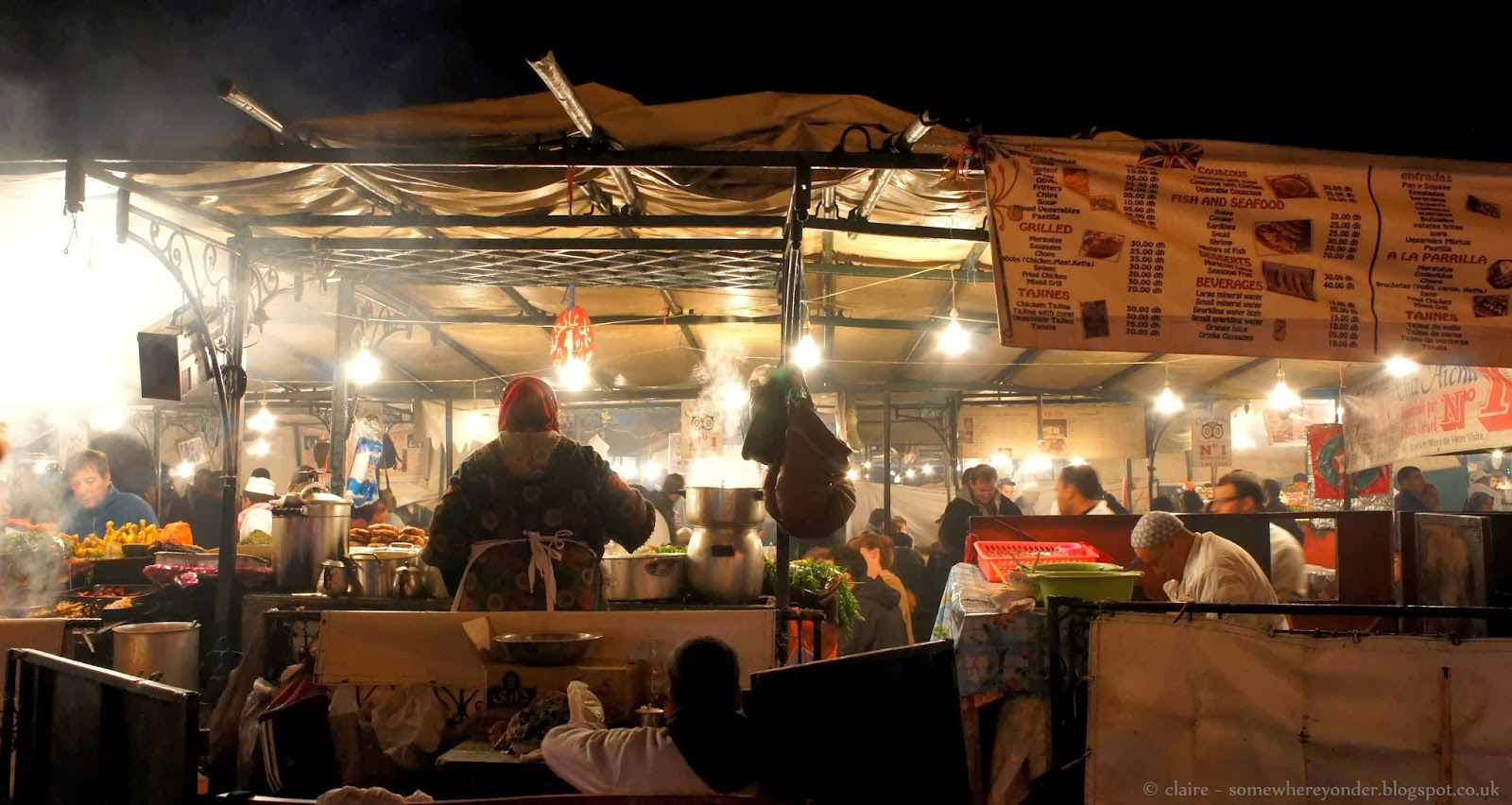 Cook in a temporary stall kitchen - Djemaa El-Fna night market - Marrakech