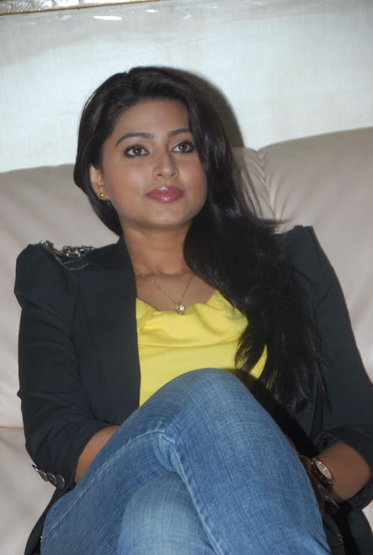 Sneha Latest Photo Gallery Part II glamour images