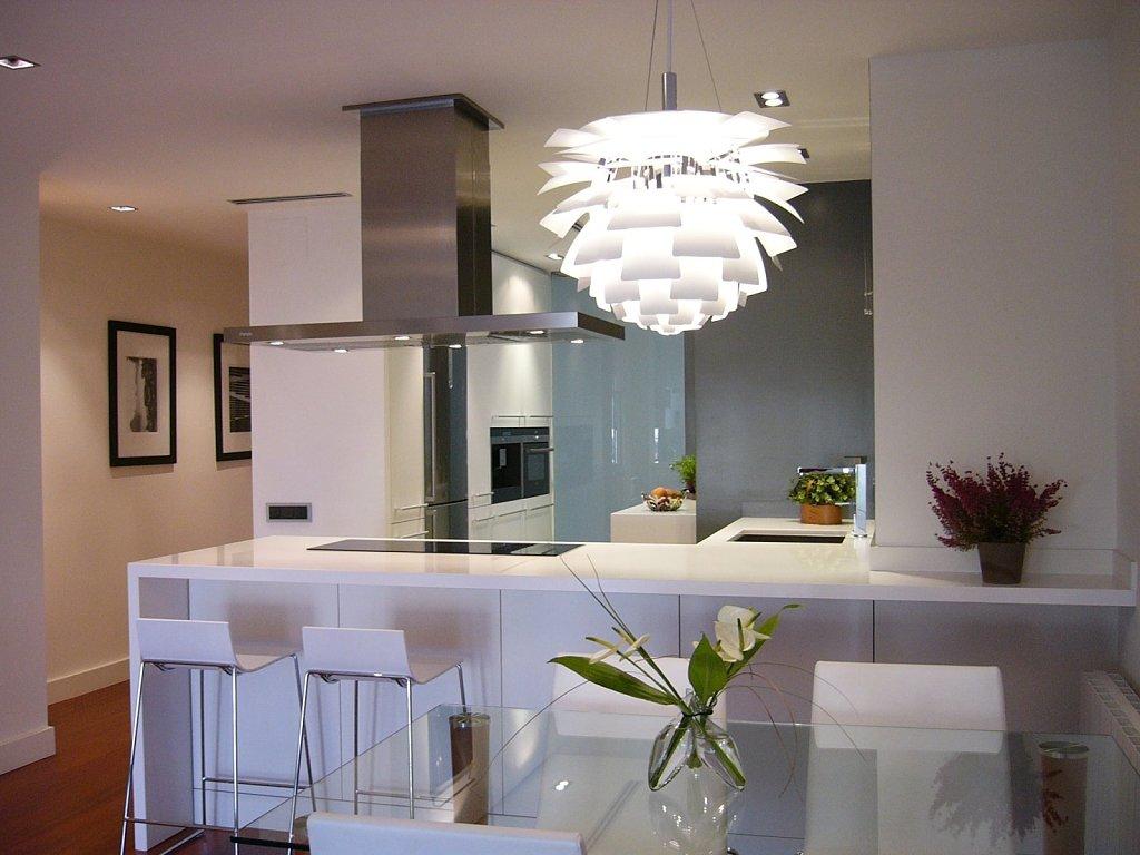Aspectos positivos e negativos das cozinhas integradas for Cocina unida a salon
