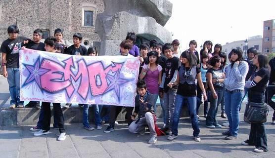EMO's Protestam contra preconceito Anti EMO