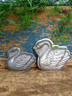 swan chocolate molds
