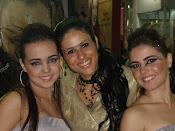 Gerente de MKT - Maxiline - Juliana Caires  e sua modelos na esquerda Daniela e na direita Karina