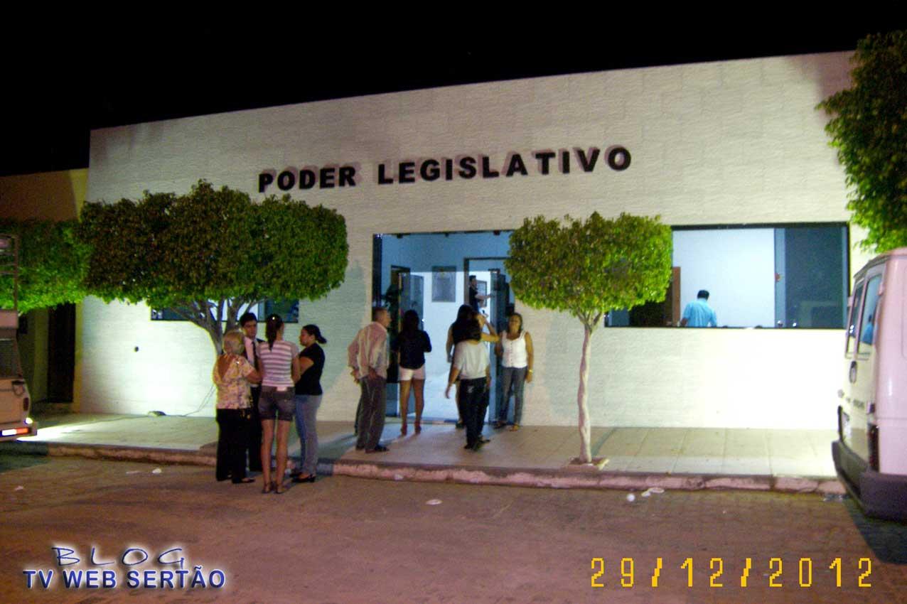 Poder Legislativo de Iguaracy disponibiliza a população uma das  #45660F 1276 850