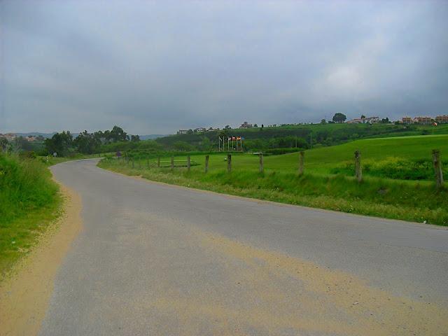 Carretera a Playa de Oyambre