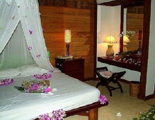For the newly married couples wedding bedroom design is suitable for