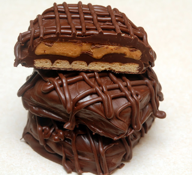 Chocolate Graham Crackers Dunmore Candy Kitchen: THROW YOUR DIET OUT THE WINDOW FOR THESE! CHOCOLATE DIPPED
