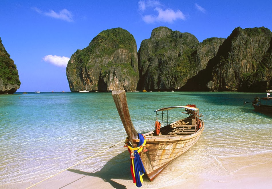Koh phi phi island thailand wallpaper view for Hotels ko phi phi