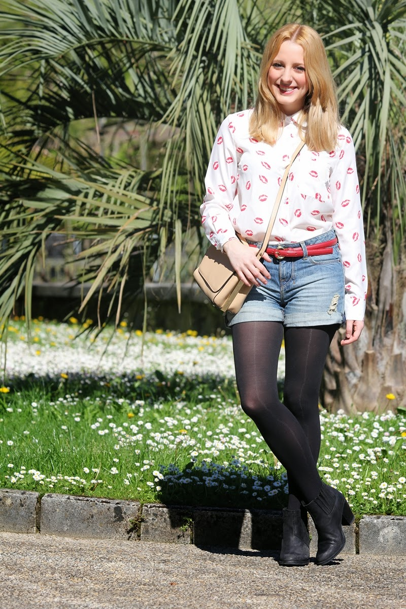 look_con_camisa_de_besos_y_shorts_altos-camisa_persunmall-shorts_altos_zara-fashion_blogger_bilbao