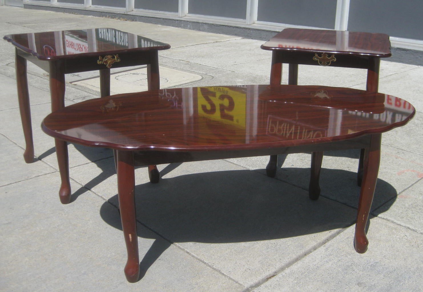 furniture collectibles sold 3 piece living room table set 95