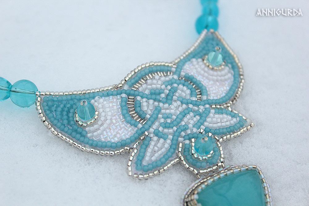 украшение, колье, бисерное колье, вышитое колье, вышивка бисером, голубой, белый, кельтика, бабочка