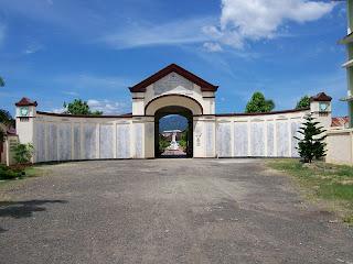 Gerbang Kuburan Kerkoff Peucut